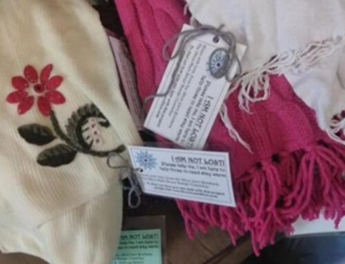 Scarf bombing – A grassroots way to keep Alton warm this winter